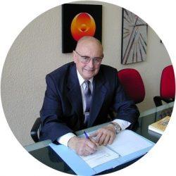 jorge-becker-fundador